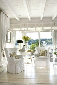 Open air cottage style beach house decor