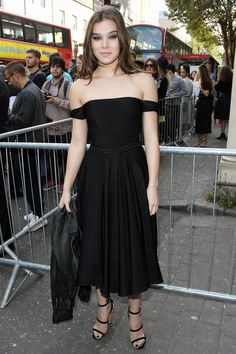 Celebrity Style - Hailee Steinfield - monstylepin #fashion #icon #celebrity #style