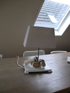 Fanny's atelier: lamp met voet van berkenstammetjes