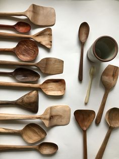 Spoon Carving Tools, Wooden Spoon Carving, Simple Wood Carving, Dremel Wood Carving, Carved Spoons, Wood Carving Art, Wood Spoon, Wood Art, Wood Carving Designs