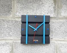 Wall Clock Wooden, Wood Wall, Wood Design, Marketing And Advertising, Etsy Seller, Handmade Items, Diy Wood Projects, Clocks, Wood Walls