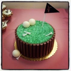 Golf cakes are great for grandpa's birthday.