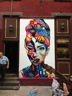 Tristan Eaton is a graffiti artist, street art muralist, illustrator, and toy designer. Born in Los Angeles in Tristan began pursuing street art as a teenager, painting everything from walls to billboards in the urban landscape. Banksy, Urbane Kunst, Inspiration Art, Arte Pop, Gcse Art, Street Art Graffiti, Graffiti Face, New York Graffiti, Graffiti Artwork