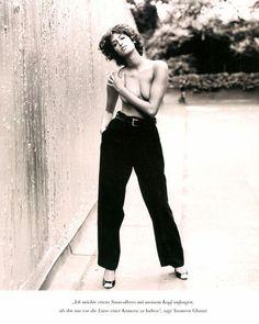 A post from 90s Fashion, Fashion Models, Victoria Secret Catalog, Retro Shorts, Linda Evangelista, Famous Models, Female Models, Women Models, Top Models