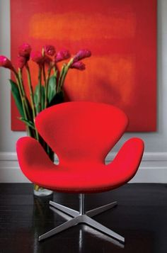 Red Swan chair by Arne Jacobsen Red Interiors, Beautiful Interiors, Swan Chair, Interior And Exterior, Interior Design, Red Rooms, Cozy Nook, Take A Seat, Shades Of Red