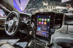 Heres what CarPlay and Android Auto look like on the new Rams 12-inch touchscreen