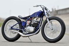 How Freaking Cool is this thing? 1977 Yamaha DT250 from Gravel Crew Custom Service in Japan.