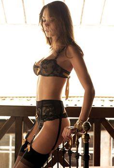 Recline.  #sexy #beautiful  http://www.theeroticwoman.com