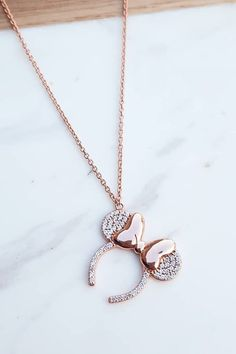 Disney's New Necklace Is the Socially Acceptable Way to Wear Your Rose Gold Ears Every Day Die neue Halskette von. Disney Necklace, Disney Jewelry, Disney Earrings, Cute Jewelry, Jewelry Accessories, Jewelry Design, Silver Jewelry, Silver Ring, Crystal Jewelry