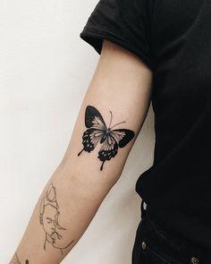Tattoo Sleeve Girl - Disney Tattoo Winnie The Pooh - Sailor Jerry Mermaid Tattoo - Mini Tattoos, Body Art Tattoos, Sleeve Tattoos, Small Tattoos, Tattoos Skull, Tatoos, Traditional Butterfly Tattoo, Butterfly Tattoos On Arm, Tattoo Traditional