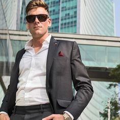 PIETER PETROS || CLASSIC I || Self-confidence is the most attractive quality a person can have. #PIETERPETROS, helps boost up your confidence. #Classic1 an exquisite Dark-grey suit.