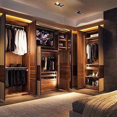 Wardrobe goals! Via @tomclaeren #livinglavishly #luxury #luxurylife #lifestyle #luxuryhome #lux #wardrobe #closet #mastercloset #walkincloset #clothing #wow #fashion #lifegoals #bedroom #millionaire #billionaire #entrepreneur #boss #ceo #expensive #modern #fancy #highend #goodlife #goals