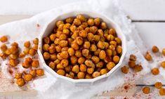 Ovnsristede kikerter er en sunn erstatning for potetgull Healthy Sweets, Healthy Snacks, Healthy Recipes, Food N, Food And Drink, Tapas, Norwegian Food, Vegan Snacks, Food Photo