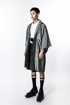 DEMO. Spring/Summer 2016 collection pays a tribute to the interlaced Japanese culture. The designer Derek Chan was inspired by Shikoku's pulsating hybrid glamor, transpiring both the pronounced traditional Japanese culture and the urban city charm. Scattering in the... »