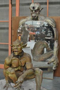 Very special decorative Gargoyle mirror from 1965 in good condition. Discover more beautiful items from Christophe Prouveur's collection, a professional Belgian antique dealer, on Transferantique. Statue, Mirror, Antiques, Beautiful, Collection, Things To Sell, Decor, Art, Antiquities