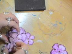A great tutorial from Donna Salazaar, making flowers and a quick and easy way of watercolouring.