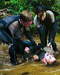 Hunger Games / Catching Fire / Peeta / Finnick / Katniss