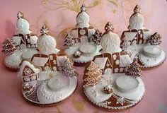 Výsledek obrázku pro perníčky Christmas Holidays, Christmas Ornaments, Linux, Gingerbread, Decorative Plates, Sugar Art, Holiday Decor, Advent, Inspiration