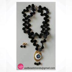 Y si mezclamos otras maderas oscuras con #ojoturco ? Sin dudar el resultado es para lucirlo inmediatamente  #necklace #collardemadera #fashion #fashionista #fashionnecklace #adbeadstrends #beads #trends #Panama #Pty #Instafashion #instalike ❤