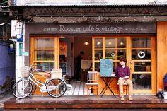 【台北漫步食記】公雞咖啡 Rooster café & Vintage 南京西路│大同區雙連站:搖滾加咖啡的復古文青古貨空間~橙酒拿鐵醺香醇苦再來份帕尼尼跟早午餐的悠閒午後~不限用餐時間的隨興咖啡店!(座位不多 早上八點就開始營業 有提供早午餐) - 橘子狗愛吃糖[オレンジ-ワンちゃん]