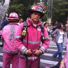 Firefighters for Breast Cancer Awareness. Real men wear pink for the women in his life to support a cause Breast Cancer Support, Breast Cancer Survivor, Breast Cancer Awareness, Angelina Jolie, Pretty In Pink, Perfect Pink, Into The Fire, Pink Power, Everything Pink