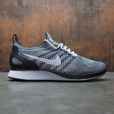 Sneakers Mode, Sneakers For Sale, Best Sneakers, Sneakers Fashion, Shoes Sneakers, Mens Nike Air, Nike Men, Flyknit Racer, Mode Chic