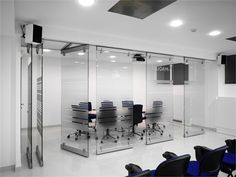 Crystal movable wall EXTESA - ODDICINI INDUSTRIE