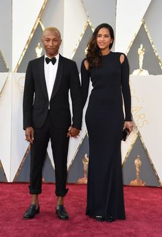 Fashion On The 2016 Oscars Red Carpet - Pharrell Williams and his wife Helen Lasichanh Tall Girl Short Guy, Short Girls, Tall Girls, Whoopi Goldberg, Armani Prive, Amy Poehler, Pharrell Williams, Heidi Klum, Reese Witherspoon