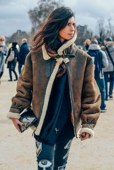 February 28, 2014  Tags Patchwork, Chiara Totire, Graphics, Clutches, Acne Studios, Shearling, FW14 Women's, Paris, Women, Brown