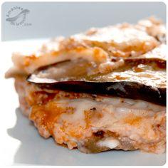 La Moussaka o como se llama en Venezuela, pasticho de berenjena, lo puedes preparar un día antes y es ideal para un grupo numeroso de invitados.