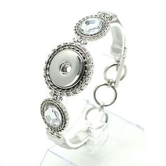 "1 PC Fits 18MM 7"" White Rhinestone Charm Chunk Pop Zinc Alloy Silver Snap Popper Interchangeable ds5811 CJ0265 Size: 7"" with 1"" extender Clasp type: Toggle Clasp Material: Alloy"