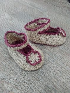 baby crochet sandals, 6-9 months baby sandal, beige and dark pink baby crochet, baby fashion, baby girl crochet by AfagoMeu on Etsy