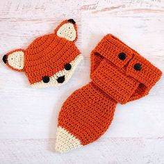 On a roll today! This little fox set was just listed in my shop, size newborn. Link in profile! Guess @Wooldebeest is officially open! . . . #babyfox #newbornphotographyprops #newbornphotoprops #etsy #etsybaby #babies #crochetersofinstagram #hh #woodlandbaby #babyshower #momtobe #newborns #momsofinstagram
