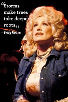 11 Brilliant Pieces of Life Advice, Courtesy of Dolly Parton Country Music Quotes, Country Singers, Dolly Parton Pictures, Dolly Parton Quotes, Tennessee, Jm Barrie, Dolly World, Star Wars, Confident Woman
