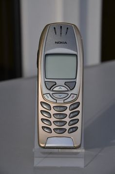 Nokia - My first Comany-issued cell phone (DynCorp in Doha, Qatar. Where's My Phone, Old Phone, Best Phone, Old Cell Phones, Flip Phones, Mobile Phones, Phone Accesories, Cell Phone Accessories, Mobiles