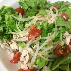 Green green green! Dinner @fitgirlsguide #28dayjumpstart #beyourownfitgirl #fitness #eatclean by fitgirl.mksmndz