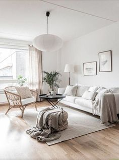51 brilliant solution small apartment living room decor ideas and remodel 50 New Living Room, My New Room, Living Room Chairs, Living Room Decor, Cozy Living, Living Room White Walls, Beige Carpet Living Room, Living Area, Living Spaces