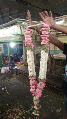 Flower Garland Wedding, Rose Garland, Flower Garlands, Flower Decorations, Wedding Flowers, Wedding Stage Backdrop, Wedding Hall Decorations, Blush Wedding Theme, Floral Wedding