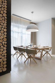 Modern Dining Room Ceiling Light Design Ideas You Need To Try Dining Room Ceiling Lights, Dining Room Lighting, Rooms Home Decor, Room Decor, Minimalist Dining Room, Narrow Living Room, Ceiling Light Design, Interiores Design, Decoration