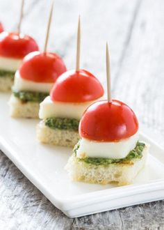 BBQ Appetizers to Have in Your Summer Recipe Arsenal   StyleCaster #healthyappetizers Baby Shower Appetizers, Comida Para Baby Shower, Appetizers For Party, Light Appetizers, Toothpick Appetizers, One Bite Appetizers, Delicious Appetizers, Parties Food, Finger Food Appetizers