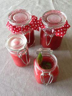 Soupe de fraises au basilic C'est Bon, Vegetables, Sweet, Desserts, Pots, Recipes, Strawberry Soup, Vanilla, Cooking Food