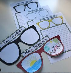 Holiday goggles - teaching material in the subjects DaZ / DaF & German & interdisciplinary - Klassenzimmer - # I School, First Day Of School, Primary School, Elementary Schools, Kindergarten Architecture, Kindergarten Portfolio, Teachers' Day, Teaching Materials, Classroom Activities