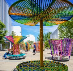 Commissioned by the High Museum of Art in Atlanta (USA), the Mexican duo of designers Héctor Esrawe and Ignacio Cadena have created the multicolored Los Trompos to activate its outdoor space, taking inspiration from the shape of a spinning top