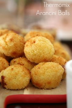 Use up your leftover risotto with these delicious oven-baked Thermomix Arancini Balls! The yummiest party food going around! Rissoto Thermomix, Prep & Cook, Bellini Recipe, Vegetarian Recipes, Cooking Recipes, Vegetarian Options, Great Recipes, Favorite Recipes, Savory Snacks