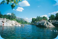 CAMPING DE L'ARCHE - Anduze 2011 - Topcamping met leuk zwembad en heerlijke rivier met stroomversnelling om in te zwemmen.
