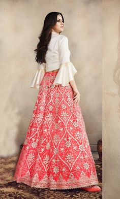 Pink Net Heavy Embroidered Lehenga For Engagement.Pink Net Heavy Embroidered Lehenga For Engagement full umbrella sleeves for partywear and wedding wear Floral Skirt Outfits, Long Skirt Outfits, Indian Designer Outfits, Designer Dresses, Beautiful Dresses, Nice Dresses, Walima Dress, Heavy Dresses, Indian Wedding Wear