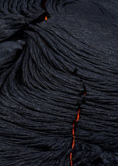 Broken Folds - ​Red hot lava flowing under the hardened, fabric-like surface - Kilauea Volcano, Big Island, Hawaii Hawaii Volcanoes National Park, Volcano National Park, Volcano Parts, Digital Photography, Nature Photography, Photography School, Scenic Photography, Aerial Photography, Night Photography