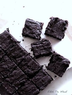 Coconut Flour Dark Chocolate Fudgy Brownies | no sugar and no gluten