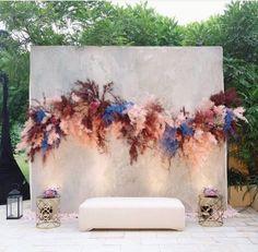 Wedding Backdrop Design, Wedding Stage Decorations, Engagement Decorations, Backdrop Decorations, Backdrops, Contemporary Wedding Inspiration, Flower Installation, Event Decor, Dried Flowers