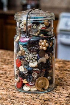 """Storing and displaying buttons. """"My Ball jar of old buttons yes, you can send me one of those any time LOL"""" Button Art, Button Crafts, Canning Jars, Mason Jars, Ball Jars, Vintage Buttons, Cheap Home Decor, Glass Jars, Shabby Chic"""